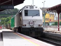La sorpresa de la mañana (Nexiosferrol) Tags: railroad train gm coruña railway trains locomotive prima alstom renfe maniobras adif mercancias jjpd 333326 teleros betanzosinfesta