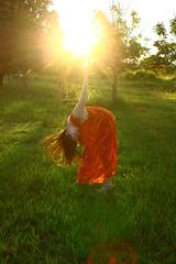 el sol en mis manos (Mara Aurinko laulelet) Tags: bodylanguage