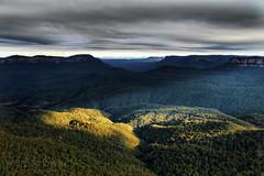 Day 193 of 365 (Adriana Glackin) Tags: clouds canon landscape view adriana australia bluemountains sunrays katoomba bushland jamisonvalley 50d project365