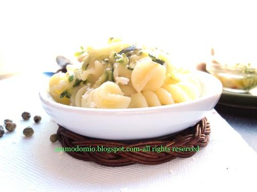 FUSILLI con zucchine logo