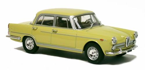 26 Starline Alfa 2000