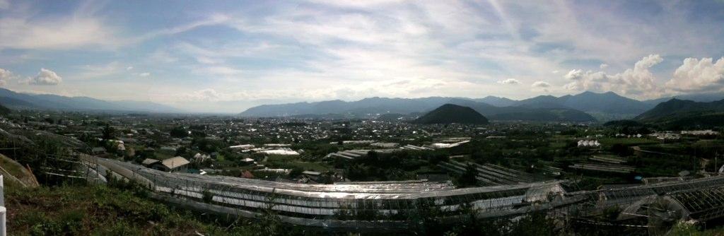 フルーツラインから望む甲府盆地 パノラマ