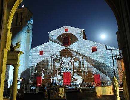 Montepulciano Duomo Piazza Grande / Festvial Cantiere Internazionale d'Arte 2010 Philipp Geist Video Mapping Installation 2