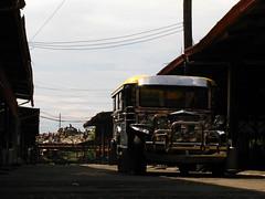 2010-07-26, saraocraft monday 025 (saraocraft) Tags: philippines arts culture transportation local pinoy jeepney jeepneys laspinas saraocraft saraojeepney saraomotorsinc smicompound