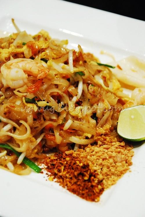 Pad Thai Seafood Noodle
