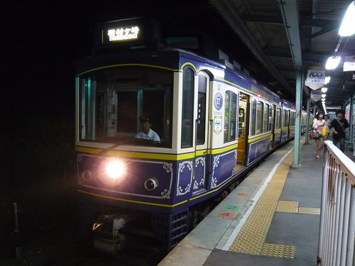 江ノ電10F+21F稲村ヶ崎行き最終電車@極楽寺