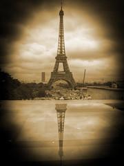 Tour Eiffel Reflex - Sepia