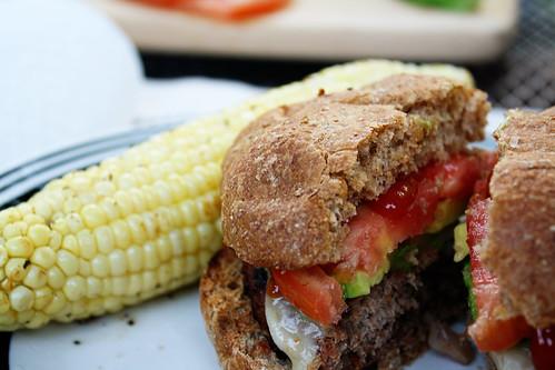 burger & corn