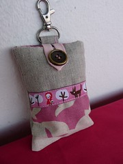 mobile phone cover (+Eva+) Tags: pink red mobile bag cozy phone little linen movil rosa case riding fairy cover pouch hood telefono tale lino funda caperucita retrosaria echino