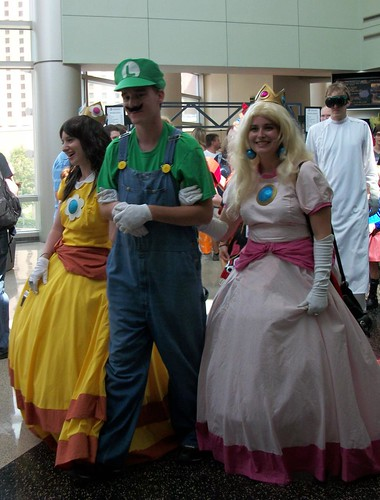princess peach and daisy costume. Daisy, Luigi, Princess Peach