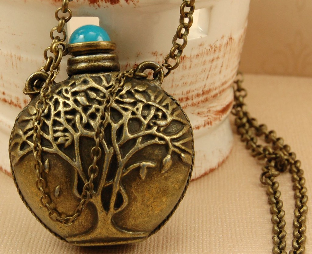 Long Antique Gold Chain Necklace with Jar Pendant