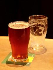 IMG_5750 (Auntyrain) Tags: york beer pub empty full pint yorkshireterrier auntyrain