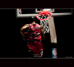 Thirty Three (lawrencechua) Tags: chicago sports basketball hall championship nikon fame bulls ii plus pocket nba scottie 70200 dynasty pippen wizards mcfarlane dabulls roundball strobist nikond300s lumodi