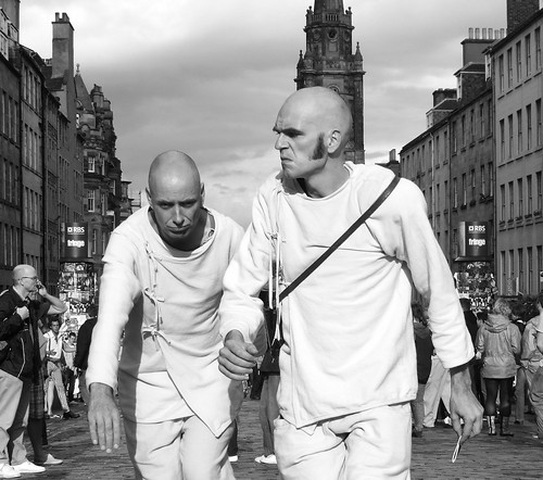 Fringe 2010 - the slow walking men in white 03