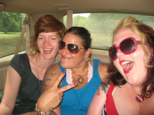 Box Office Femmes (in the back of the divamobile)