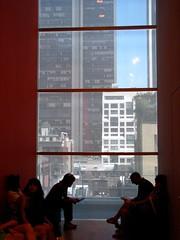 (foto_quindi_sono) Tags: red usa newyork skyline america moma museumofmodernart bigapple statiuniti grattacieli skycreeper