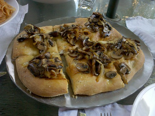 Carmelized Onion & Mushroom Flatbread