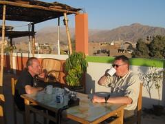 2010-4-peru-071-nazca-hotel terrace