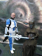 TFU Stormtrooper Commander and Twi'lek Jedi (Doc_Brown) Tags: costumes starwars orlando florida jedi fans sith cv collecting c5 2010 30thanniversary theempirestrikesback bountyhunters tesb celebrationv celebration5 swcv