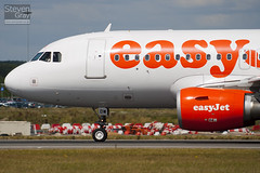G-EZDW - 3746 - Easyjet - Airbus A319-111 - Luton - 100805 - Steven Gray - IMG_1158