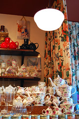 027 (Fearless Zombie) Tags: seattle flowers friends light summer white floral restaurant washington afternoon tea drinking queenmary wa curtains teacups teapots tearoom afternoontea teahouse teaparty queenmarytearoom