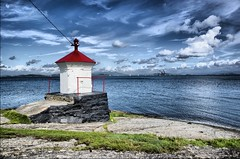 Lighthouse (Arnfinn Lie, Norway) Tags: sea lighthouse relax stavanger fjord tasta minoltaamount carlzeiss1680mm sonyalpha350 dragondaggerphoto mygearandmepremium mygearandmebronze mygearandmesilver mygearandmegold mygearandmeplatinum mygearandmediamond ringexcellence dblringexcellence arnfinnlie carlzeisslover ginordic1 aboveandbeyondlevel1