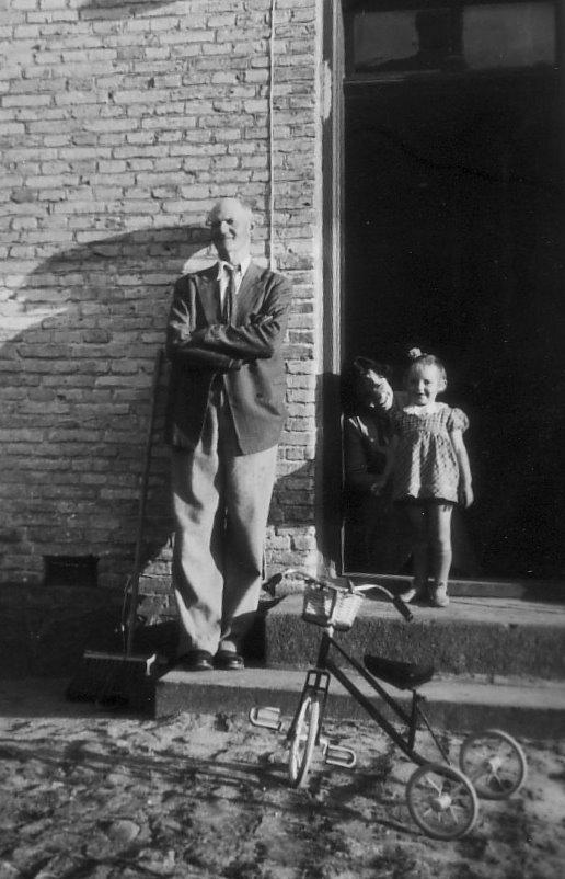Gartner Ramussen, Jonna og hendes mor Februar 1952