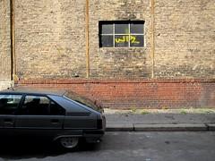 Inkontinente Hydraulik / Hydraulics' Leak (bartholmy) Tags: auto berlin window car wall fenster wand tag bricks citroen sidewalk hydraulics mitte trottoir mauer wiz brgersteig berlinmitte gehweg ziegel ziegelsteine hydraulik backsteine