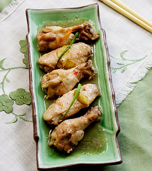 Vietnamese gingery braised chicken wings