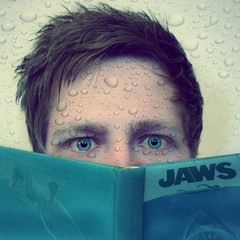 Jaws (donchris!) Tags: blue portrait selfportrait eye me water azul myself buch ojo book shark agua aqua eau wasser blu libro books libri sp jaws requin blau weeks libros hai der acqua ich livre niebieski auge selbstportrait livres woda 52 greatwhite bcher semanas blaues tiburn kolor weisse  semaines squalo ksika tyg wochen ksiki rekin settimane oczu