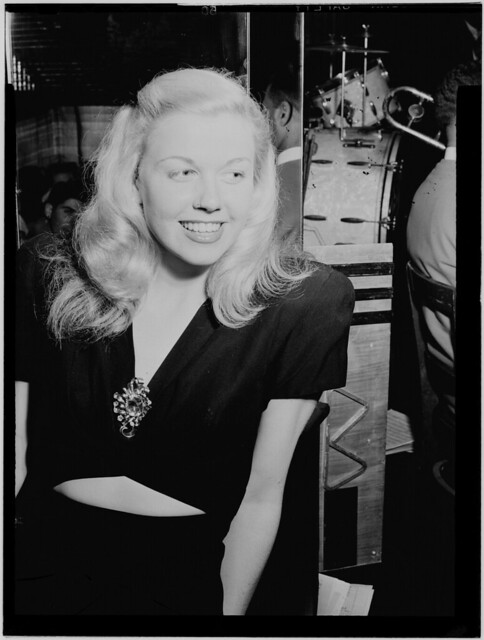 [Portrait of Doris Day, Aquarium, New York, N.Y., ca. July 1946] (LOC)