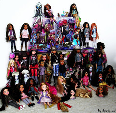 Dolls, dolls! (BratzLuv!) Tags: monster high spin master entertainment liv girlz mga moxie mattel bratz teenz twiinz