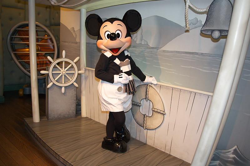 ミッキーマウス (Mickey Mouse)