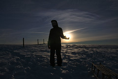 holding sun (SpotShot) Tags: sun silhouette canon deutschland eos holding 17 55 sonne f28 deu schauinsland 1755 badenwrttemberg halten 1755mm schattenbild horben 40d canon1755mmf28 canoneos40d schauninslandwinter