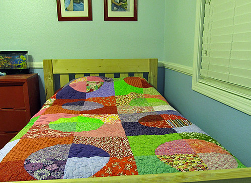 round twin quilt front