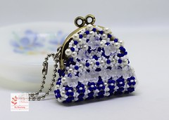 Mini coin purse (BeeJang - Piratchada) Tags: beadweaving crossweaving beading beadwork coin purse blue dark white miyuki kit