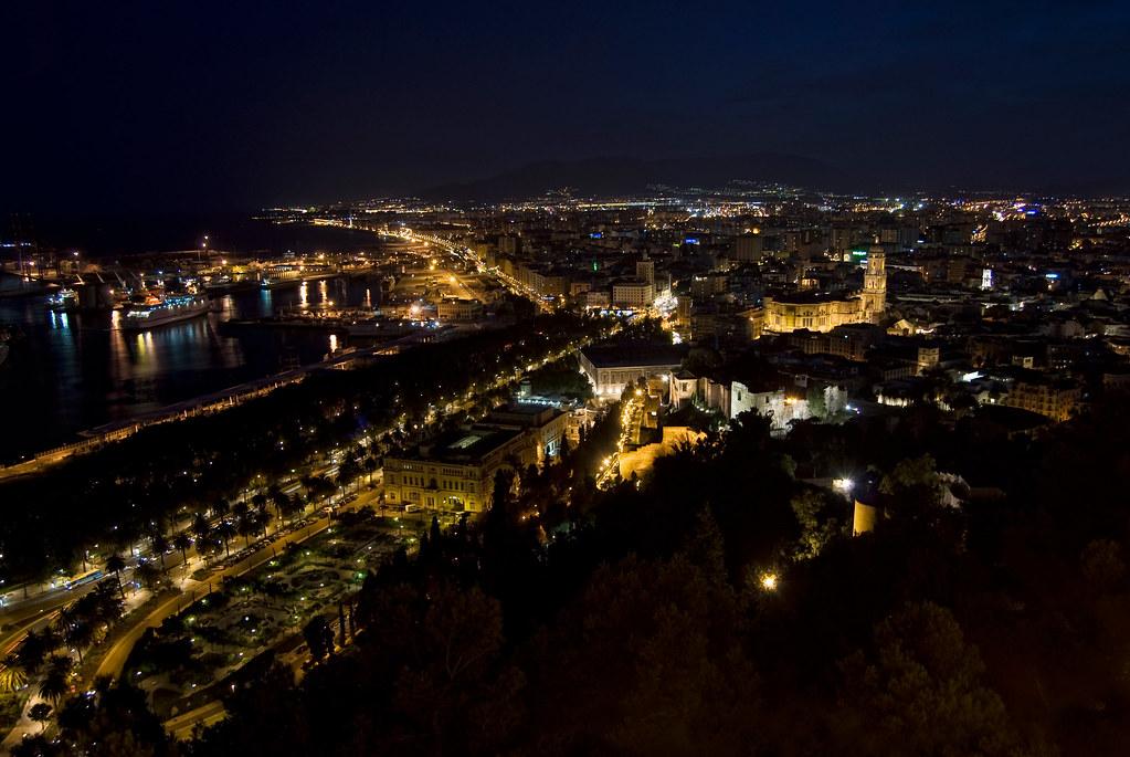 Málaga, vista general nocturna