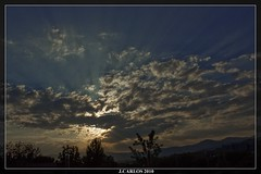 ATARDECER.... (((((((-charly-)))))) Tags: paisajes canon atardecer panoramicas imagenes pueblos 2010 sierradeguadarrama encantos 450d platinumphoto vosplusbellesphotos travelsofhomerodyssey ufospain