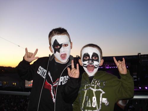 09/04/10 Kiss Fans @ MN State Fair 004