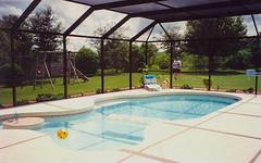house home pool florida screen swimmingpool kingston sarasota 1994 kingstondrive gulfgateeast