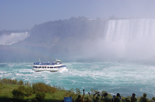+ 加東 + Niagara Fall   Journey behind the fall2010_0831(016)