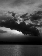 ....as the night moves in (bdaryle) Tags: light sunset blackandwhite bw lake nature clouds atardecer waves sony bn nubes brandondaryle bdaryle imagesbybrandon asthenightmovesin