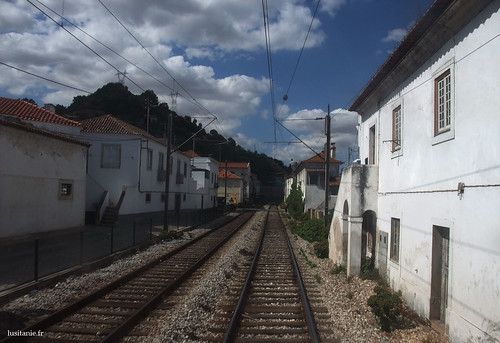 Here is the main railway of Portugal
