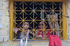Fenêtre (hubertguyon) Tags: window child mother enfant fenêtre calcutta inde quartier mère kolkota kumartuli bengaleoccidental earthasia