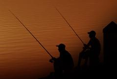 Good luck (Part 1/2) (MJ ♛) Tags: sea fish man men silhouette canon eos fishing silhouettes catch p 75300mm filters ef orang 2010 غروب cokin alkhor البحر khor الغروب بحر الخور 40d صيد خور cokinp فرضة