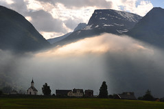 """Lo-tunet"" (stigkk) Tags: trees light mist church clouds buildings burst kirke loen skla nikond90 norgenorwaynorwegennoruega afsnikkor55200mmf4 nordfjordsognogfjordanevestlandet sceneryviewscenicscene lotunet"
