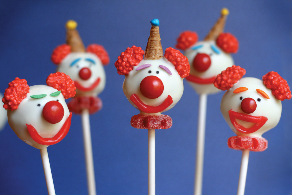 Cupcakes Take The Cake: Clown cake pops by Bakerella and Cake Pops ...