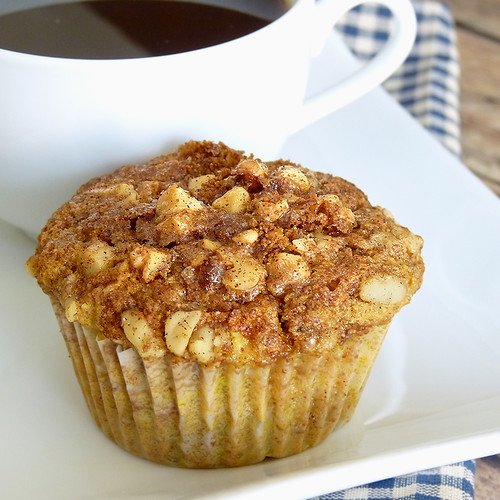 Airhead Apple Muffins with Nutty Topping