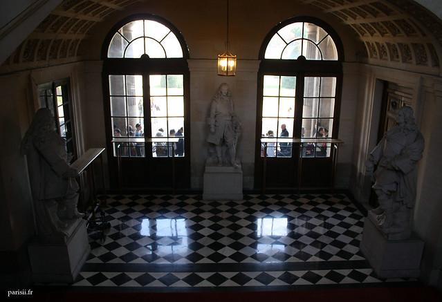 Statues de l'Escalier d'Honneur