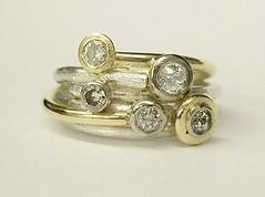 Circles style ring